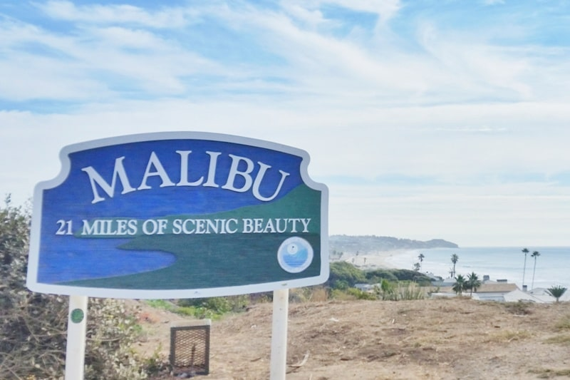 Malibu sign: 21 miles of scenic beauty as a stop on PCH - Los Angeles day  trip 🌴 California travel blog | Flashpacking America