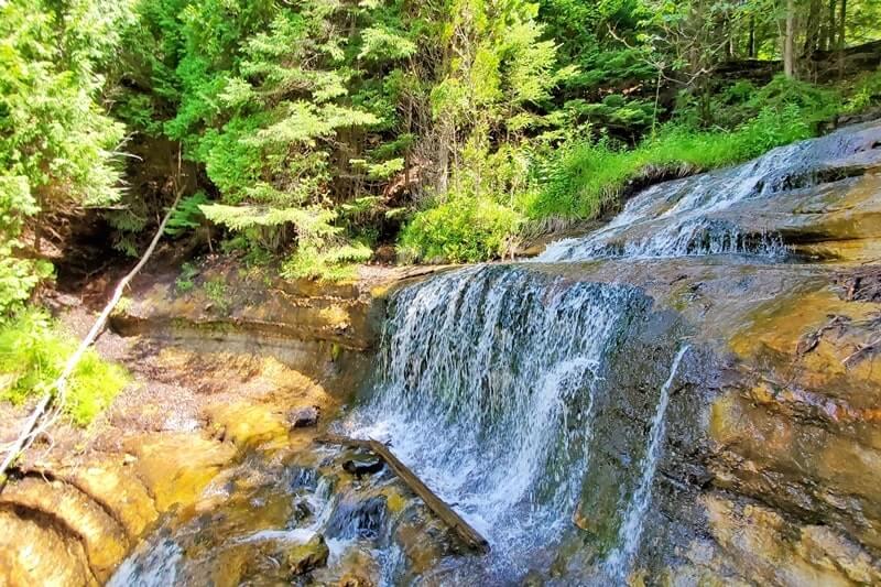 Michigan roadside waterfalls: Alger Falls. Best UP waterfalls upper peninsula. up michigan travel blog