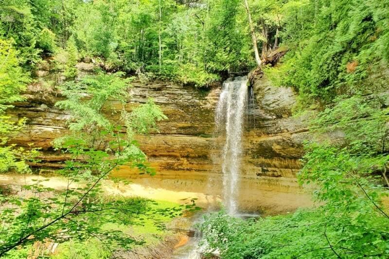 Best Michigan waterfalls: Munising Falls. Best UP waterfalls upper peninsula. up michigan travel blog