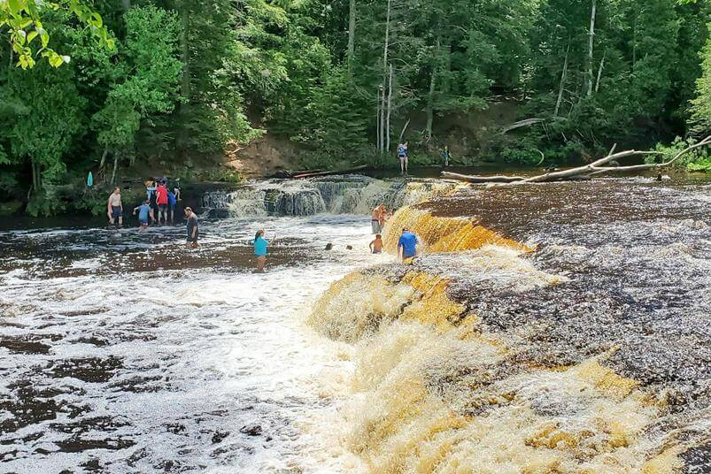 Best Michigan waterfalls. Best Upper Peninsula waterfalls. hiking waterfall hikes. waterfall swimming. Michigan waterfall tour, Michigan waterfalls road trip. up michigan travel blog